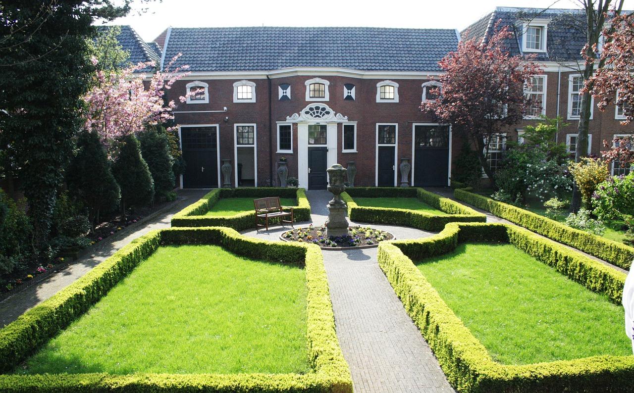 Comment choisir le béton décoratif pour votre allée de jardin ?